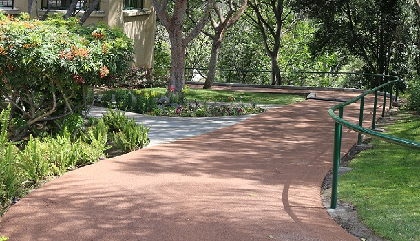 Rubberway rubber golf cart path at the Victoria Golf Club provides sound dampening and reduces ball bounce